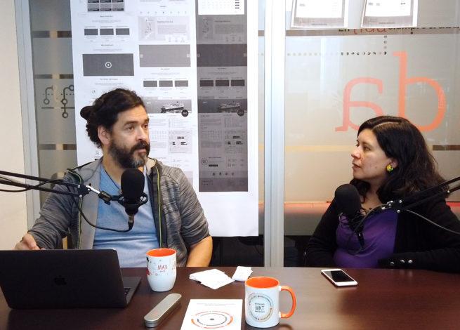 Max Martín y Andrea Zamora hablan en el estudio.