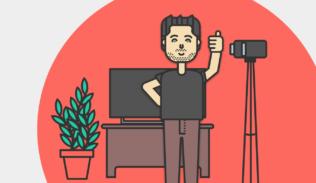 Max Villegas nos muestra más del Canal de Youtube IDA, junto a su cámara y la televisión.