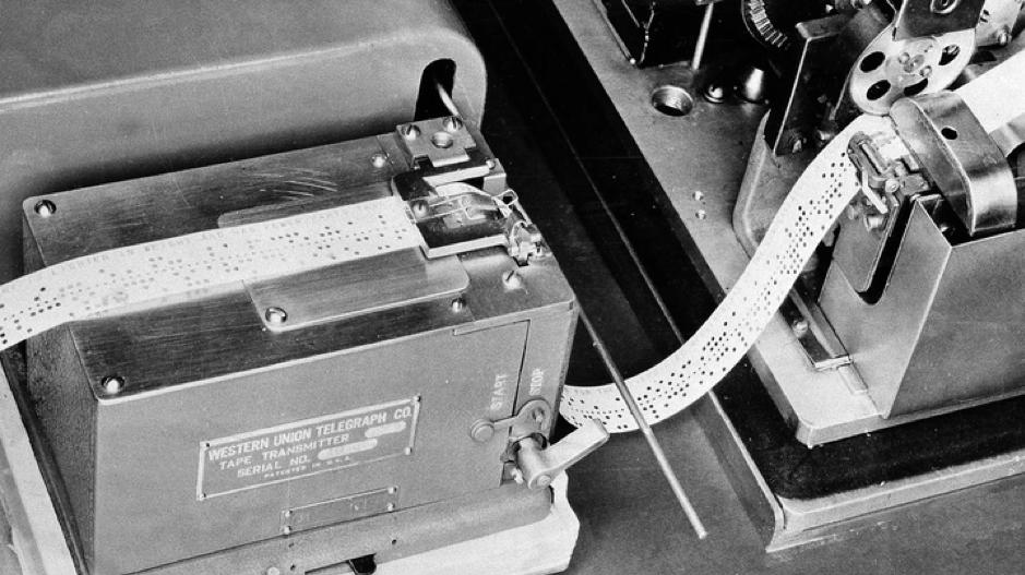 Muestra de las cintas que trasmitían datos en la Memex.