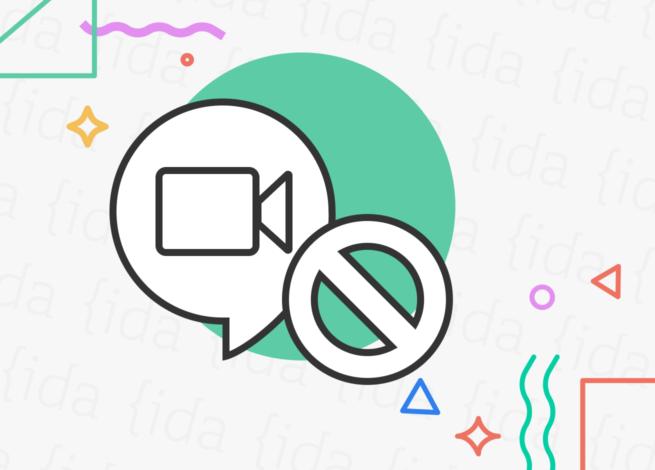 "Logo de Google Meet con un signo de ""prohibido"" a su costado."